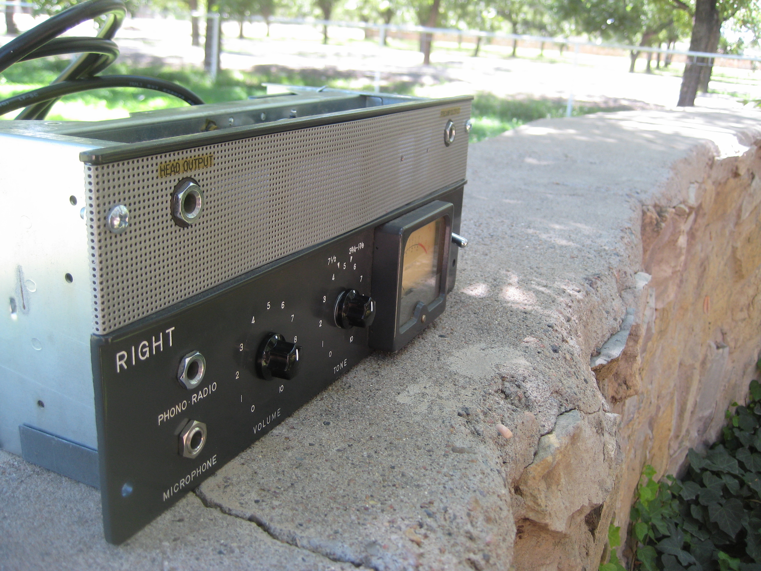 This Robert's Tape Recorder Unit was turned in a Tweed Princeton style head but with El-84 power tube and 6X4 Rectifier. Tweedy but with Jangle!