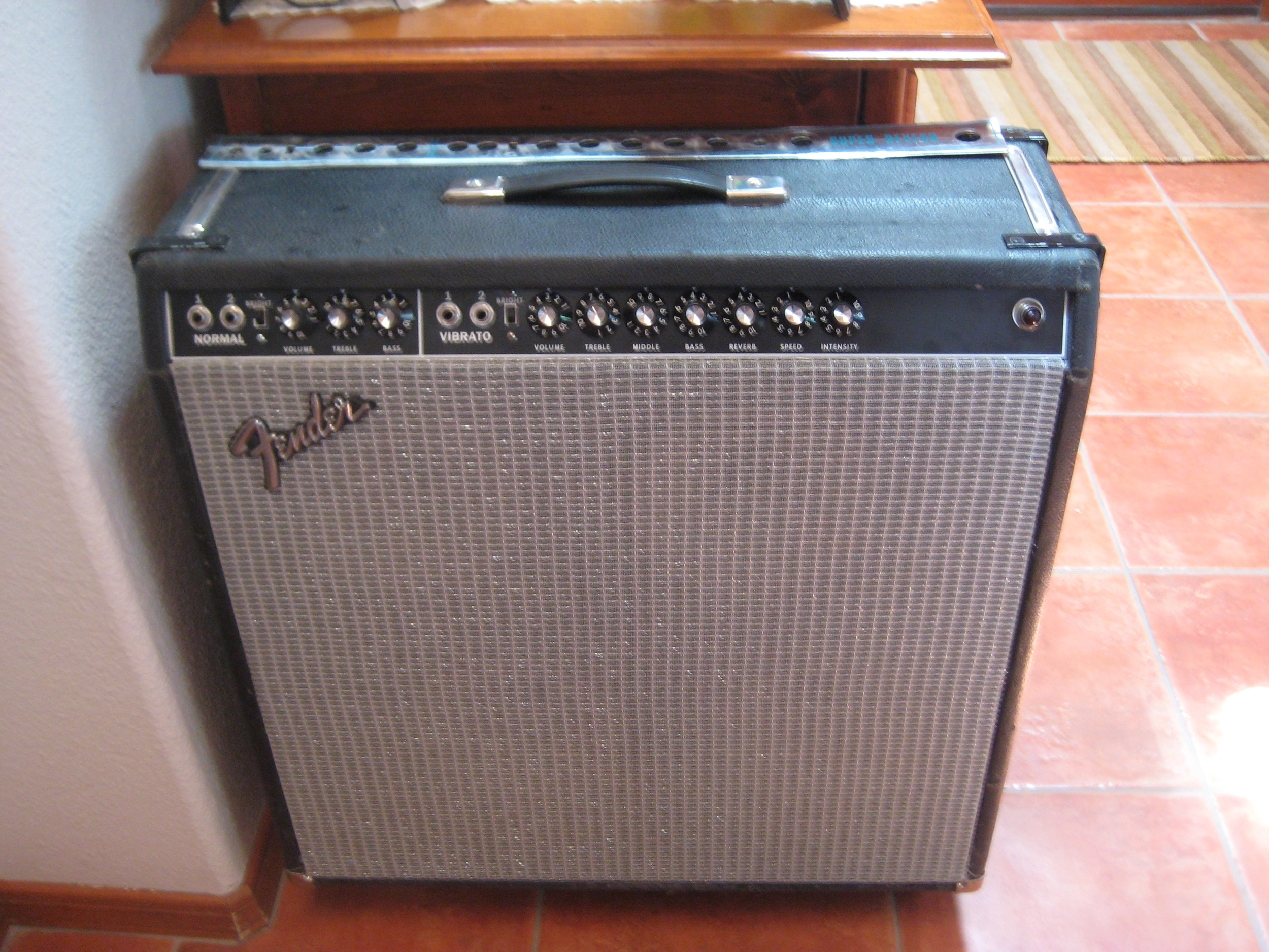 Vintage Fender Super Reverb that I worked on. It was in desperate need of of new caps and tubes. Gorgeous clean tone through those Alinco Speakers.