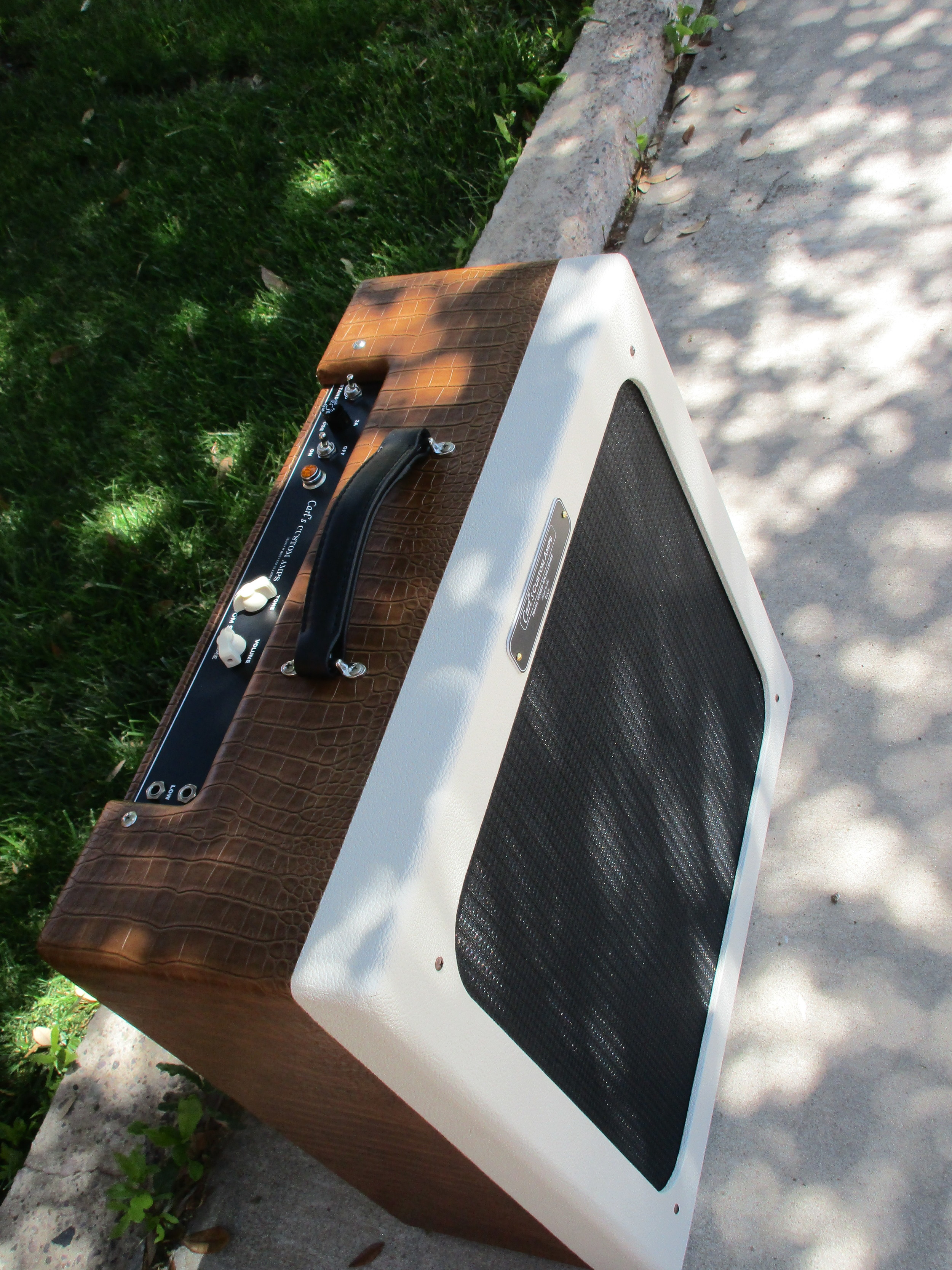 """This was a really cool amp! It's a Supro Supreme Style circuit with octal preamp tubes but with the ability to use 6L6 and 6V6 tubes, a on board power attenuator, a Weber 15"""" 15F150-O."""