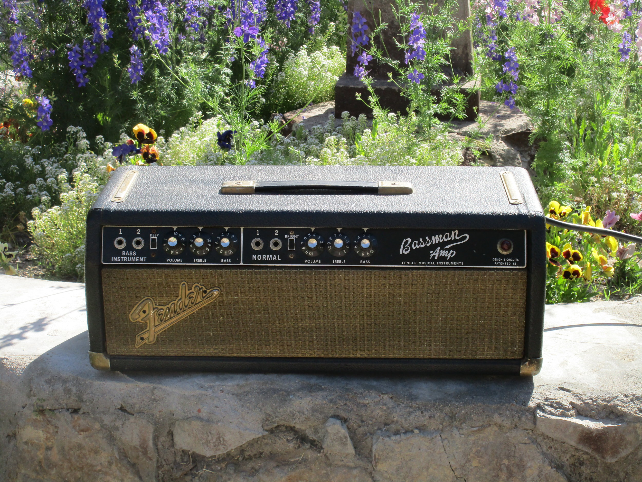 This 60's Fender Bassman came in needing an overhaul. Sounds great now!