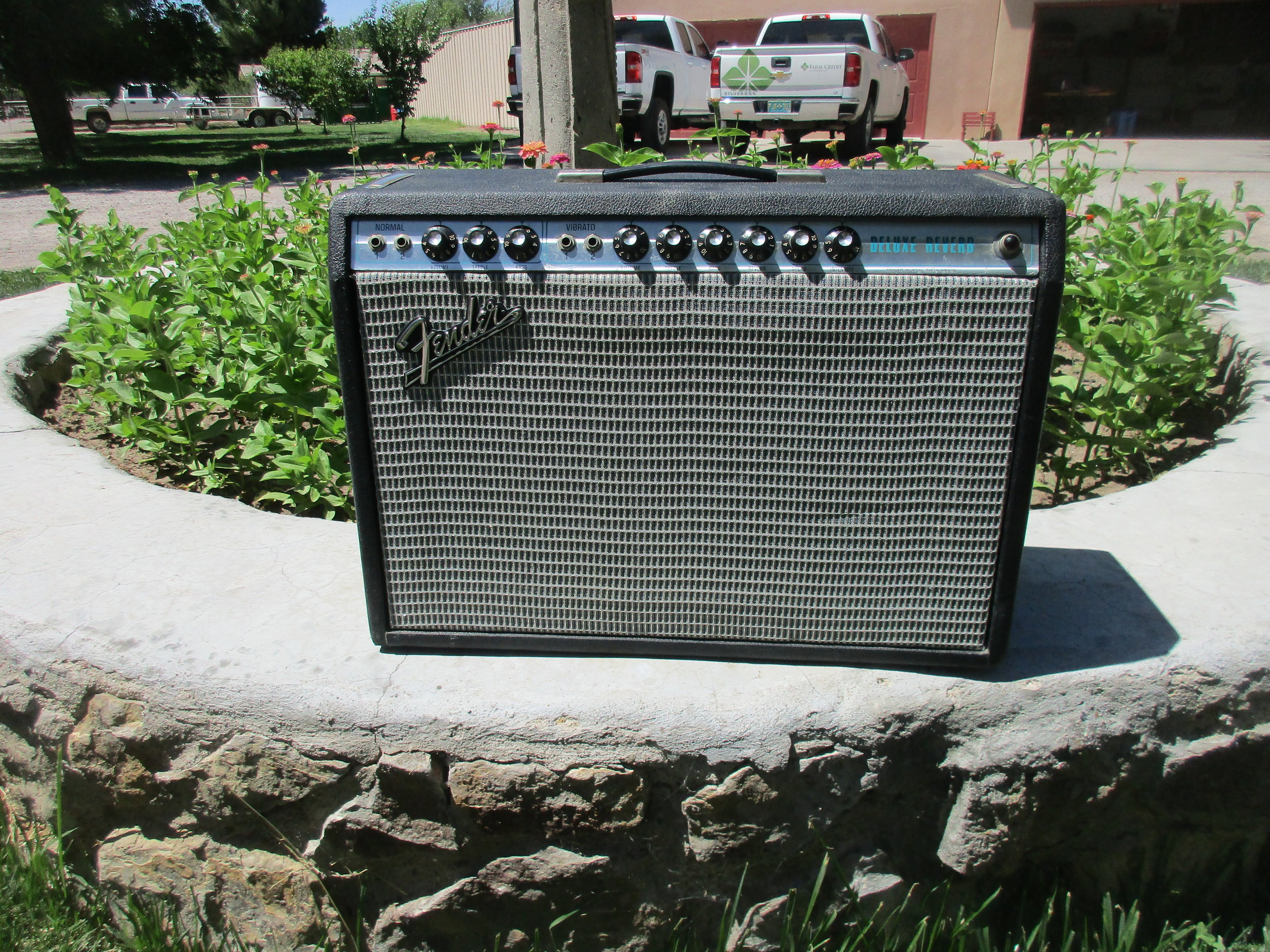 Fender Silverface Deluxe Reverb that came in for restoration. With some work it now sounds great!