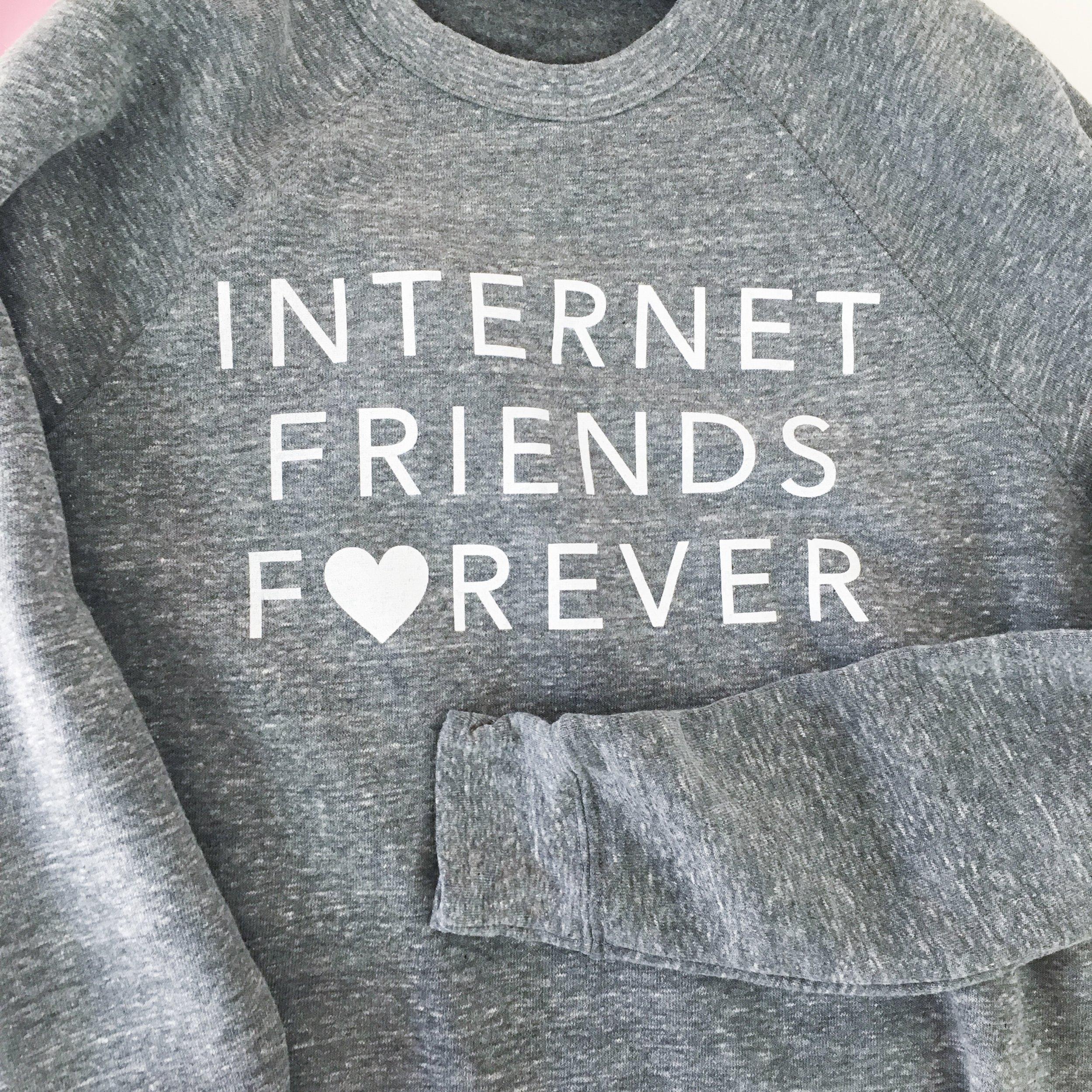 internet-friends-forever-crw