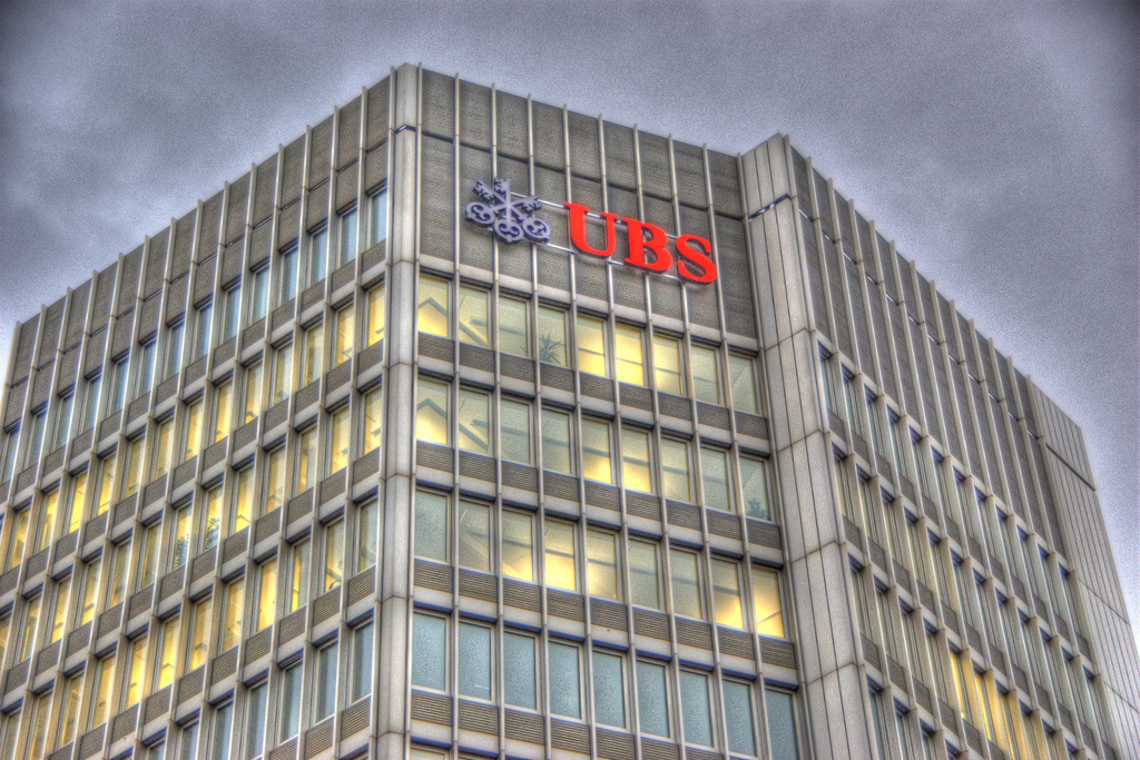 """""""UBS offices zurich"""" von  twicepix . (Creative Commons Attribution-Share Alike 2.0 über  Wikimedia Commons )"""