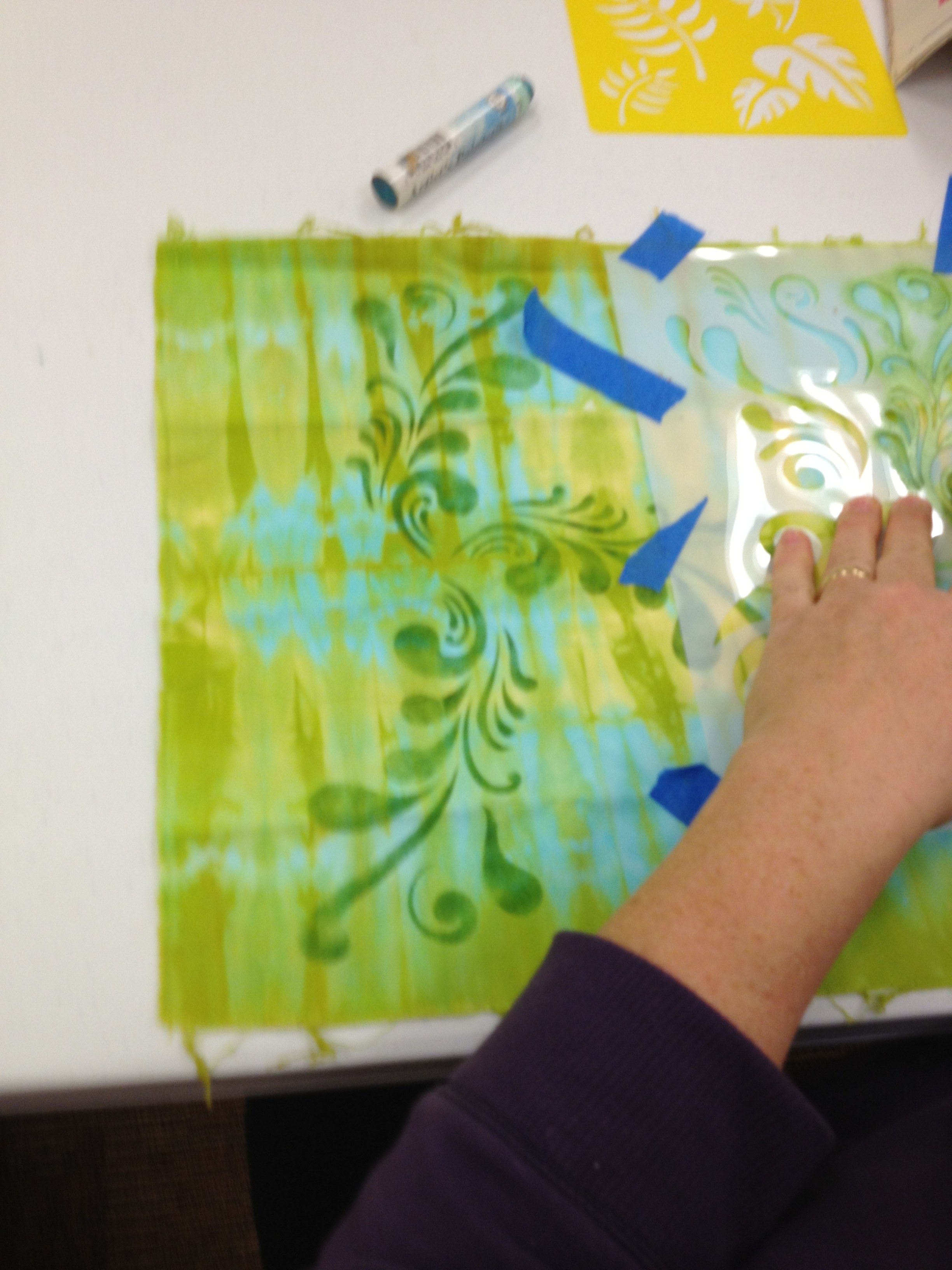 Working with stencils--analogous colors