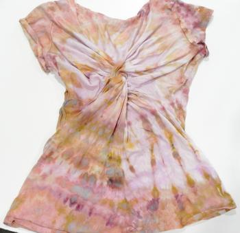 Twist-shirt front