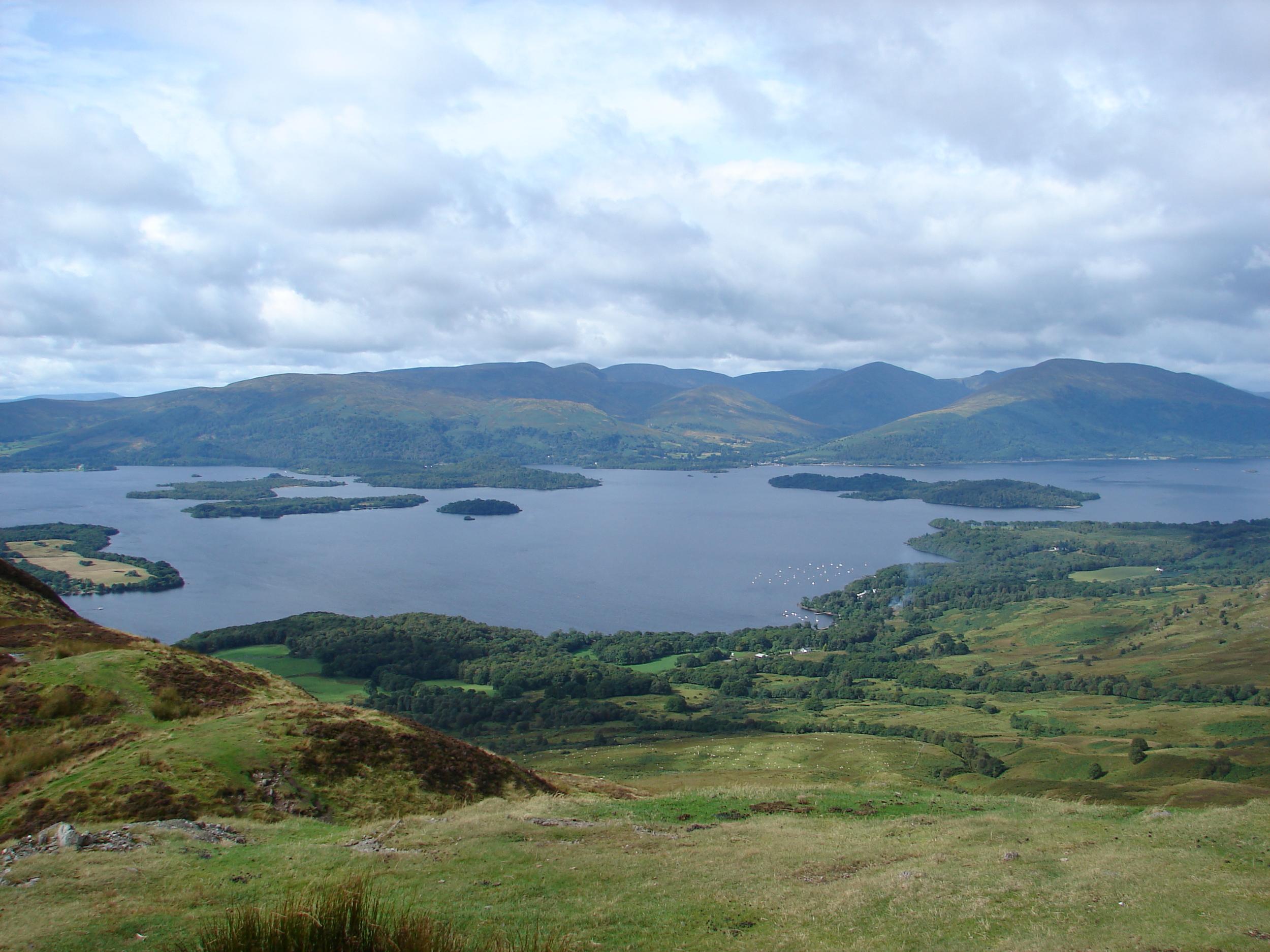 """Bonnie"" Loch Lomond is the largest lake in Scotland."