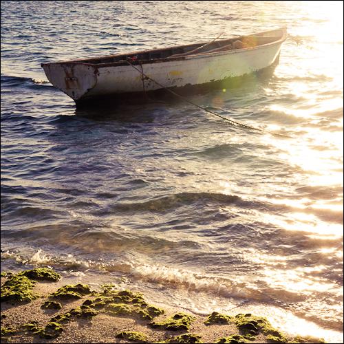 Fisherman's boat - Long Beach Hotel