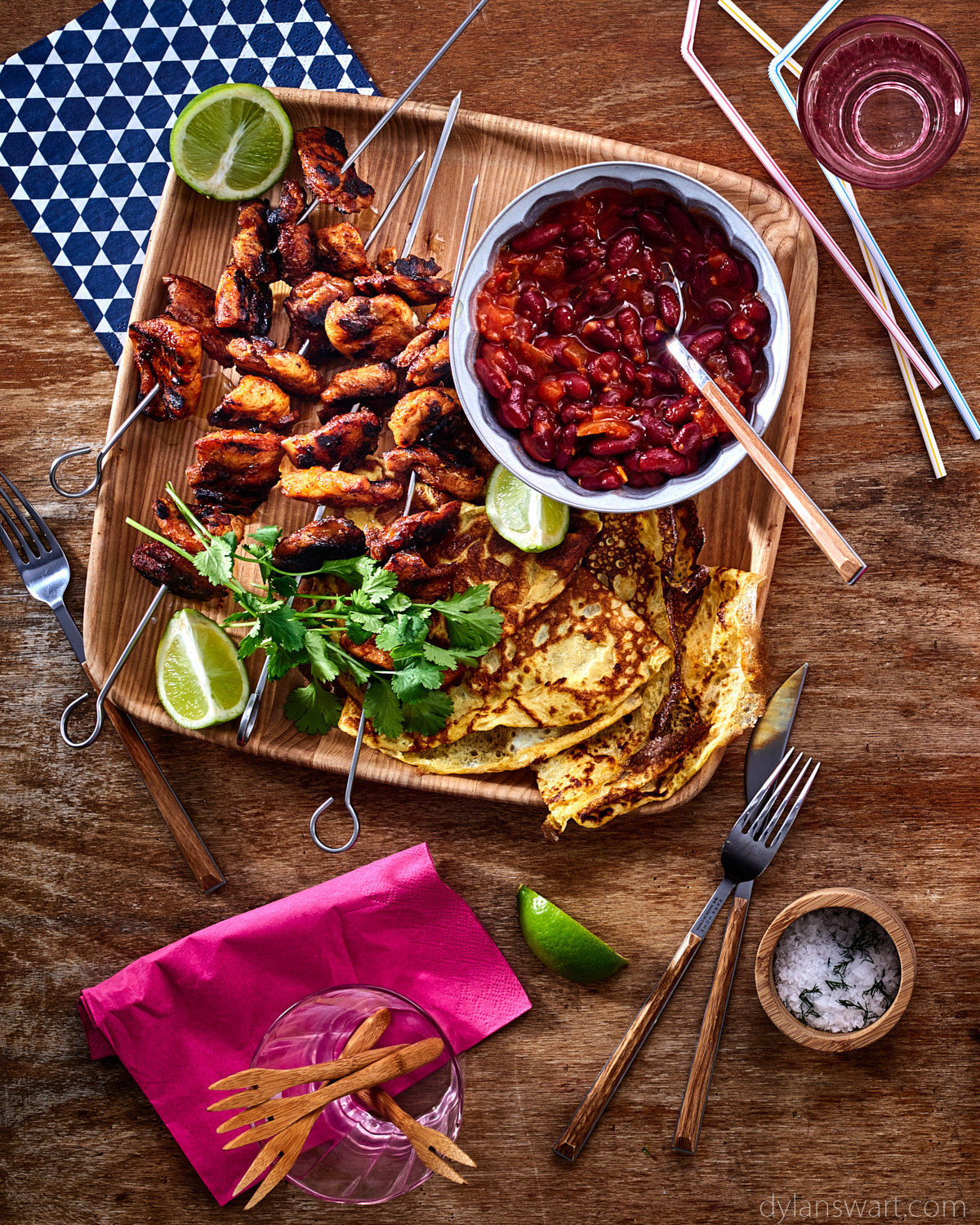 Mexican chicken skewers with egg pancakes