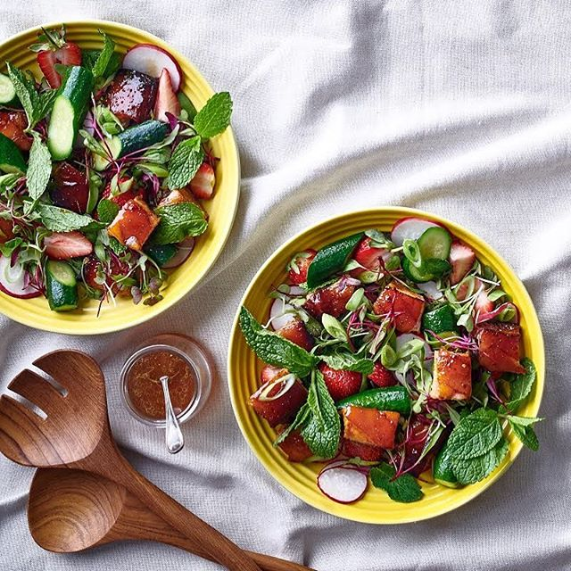 Pork-belly salad 👌 Delicious and perfect for lunch or dinner over the weekend.  Photographed for Food & Home Entertaining Magazine. Recipe and styling by Nomvuselelo Mncube Photography @dylan_swart