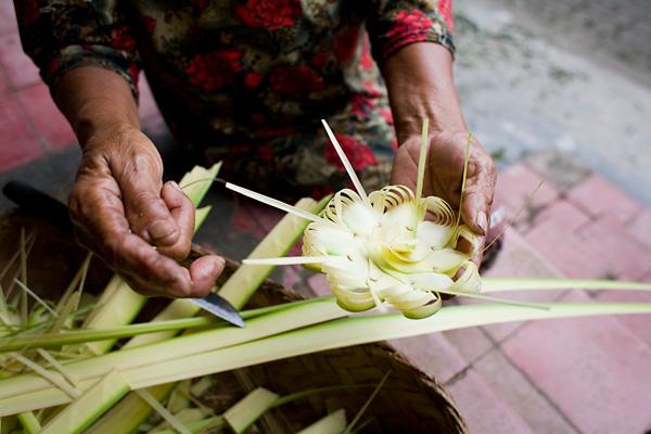 Bali Documentary Photographs: Balinese Prayer Offerings
