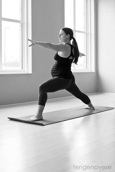 yoga maternity photography