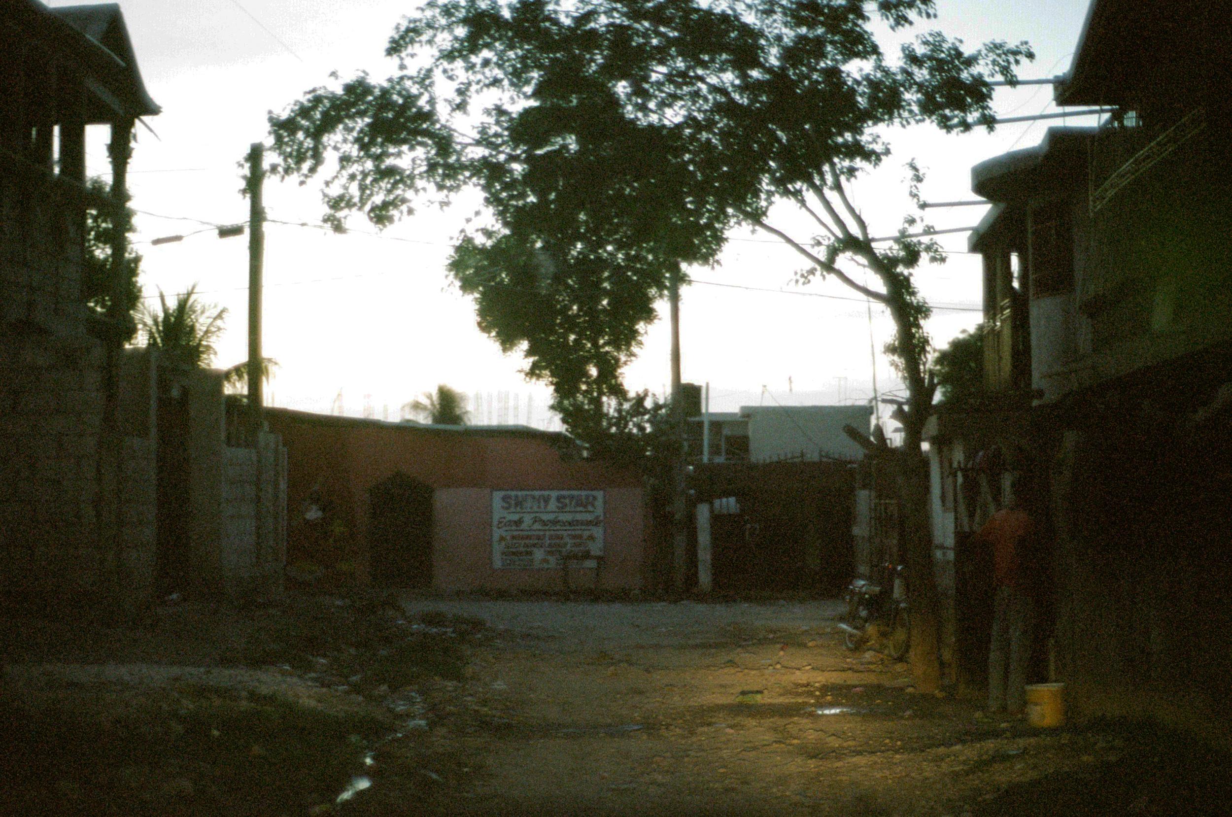 haiti007-759805020009.jpg