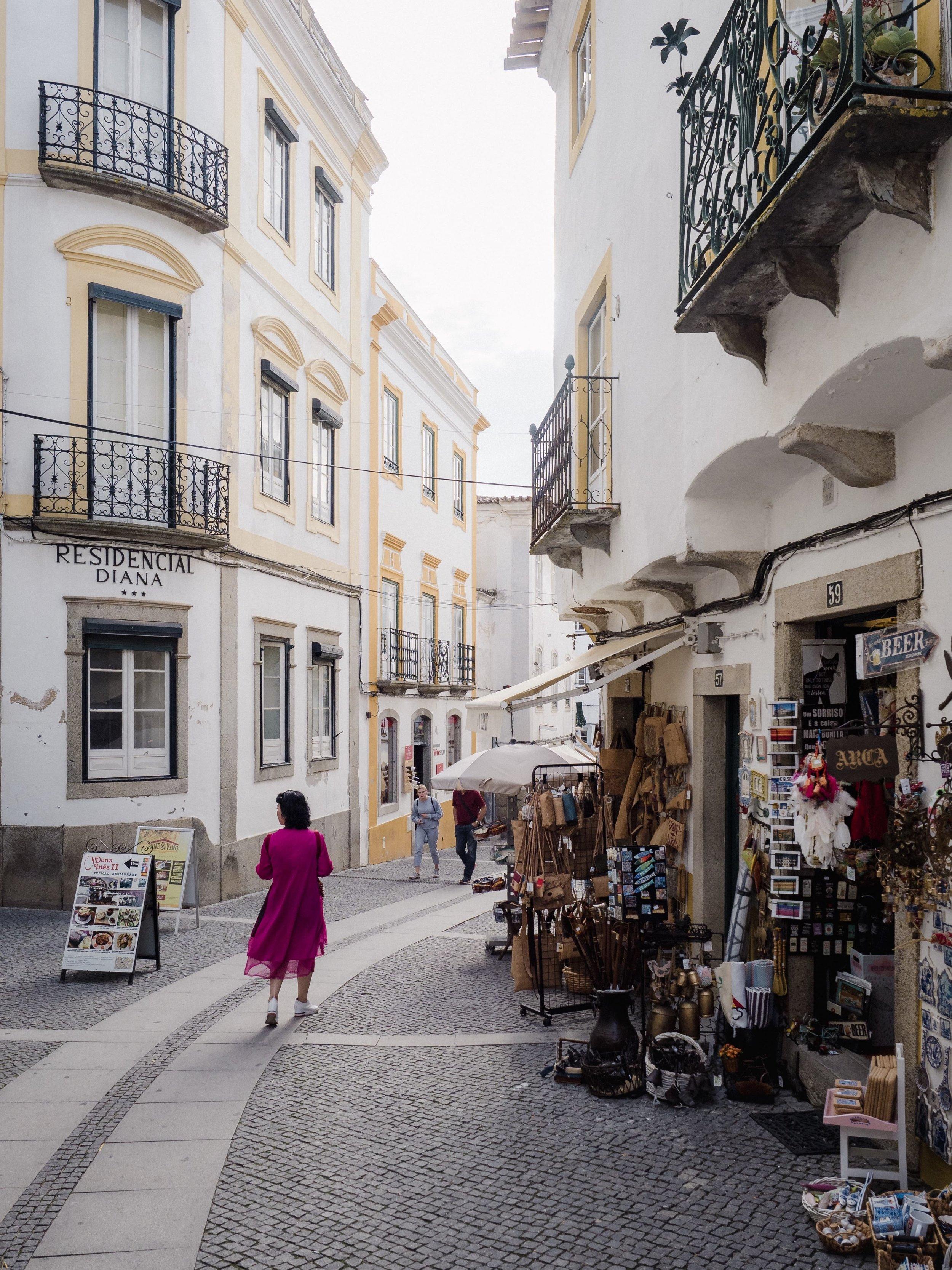 Wandering the streets of Évora.