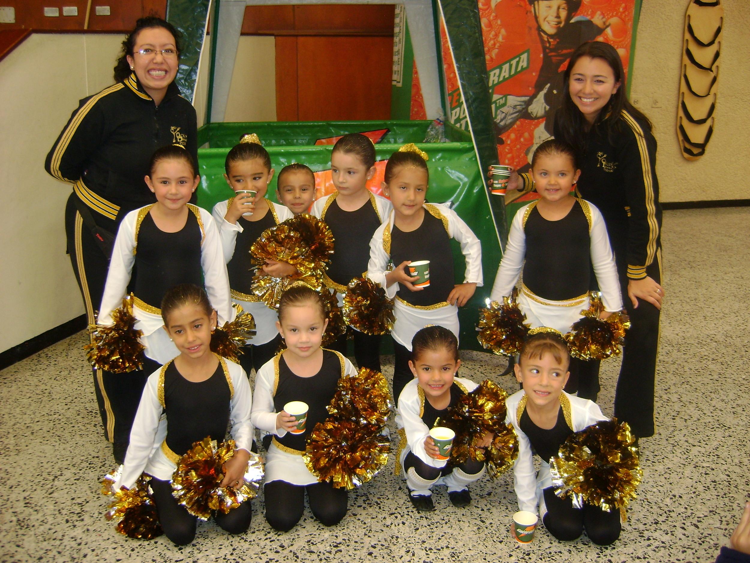 2009 Pewee Jazz & Pom Team.JPG