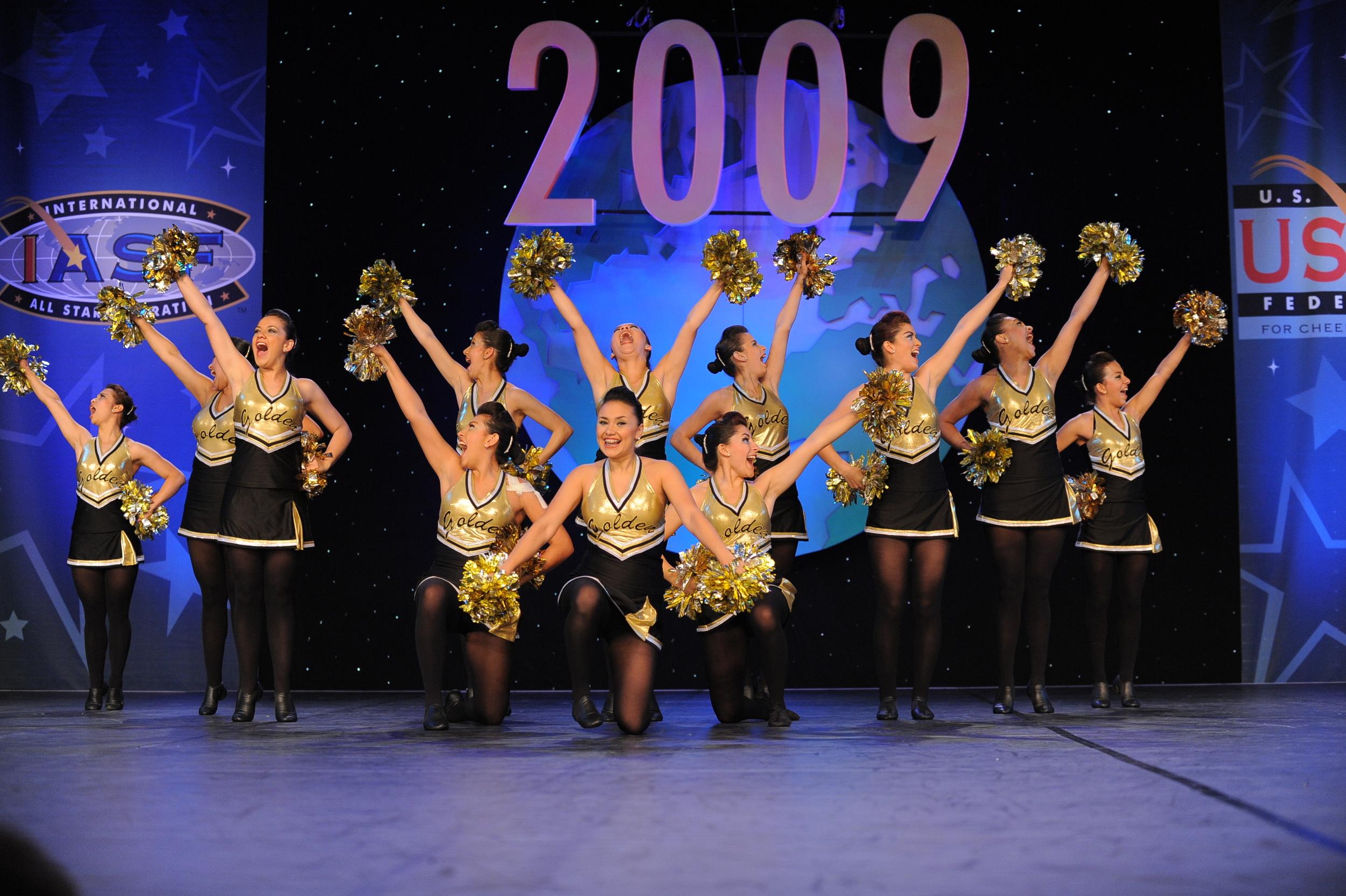 2009 Elite Jazz & Pom Team.jpg