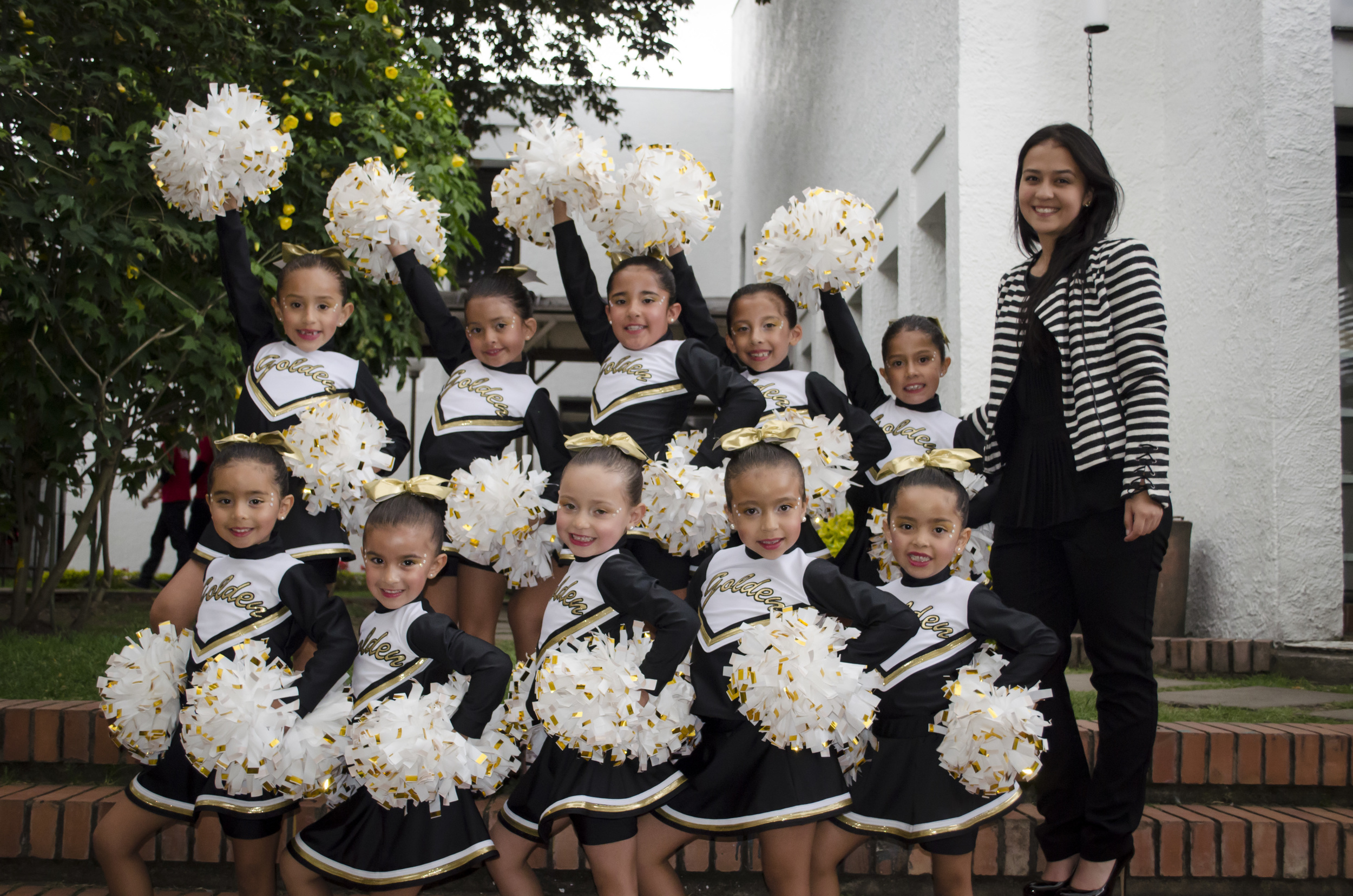 PEWEE FREESTYLE POM TEAM