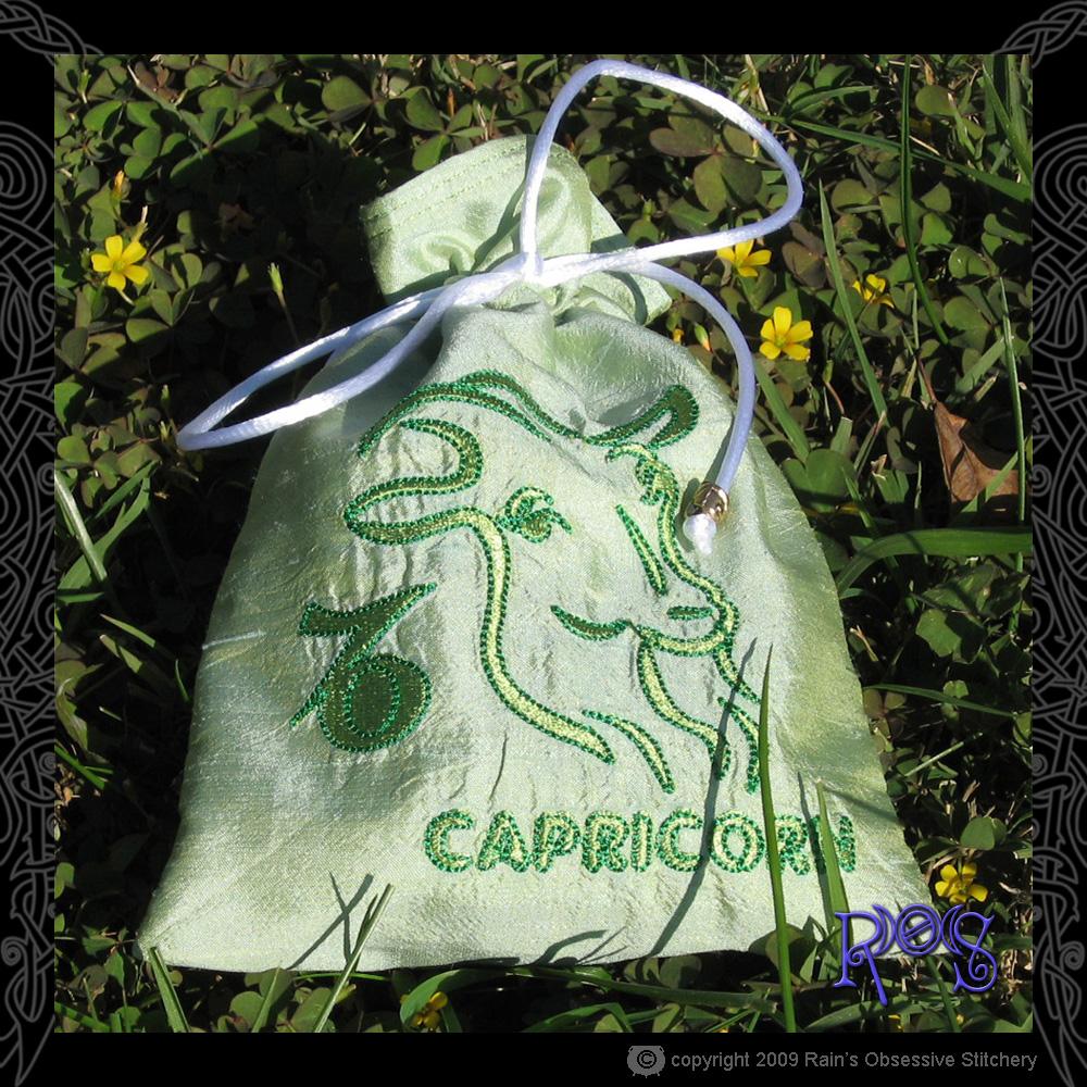 tarot-bag-zodiac-capricorn.jpg