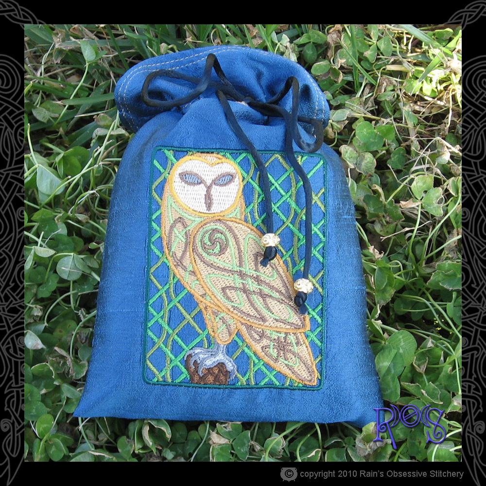 tarot-bag-blue-celtic-owl.jpg