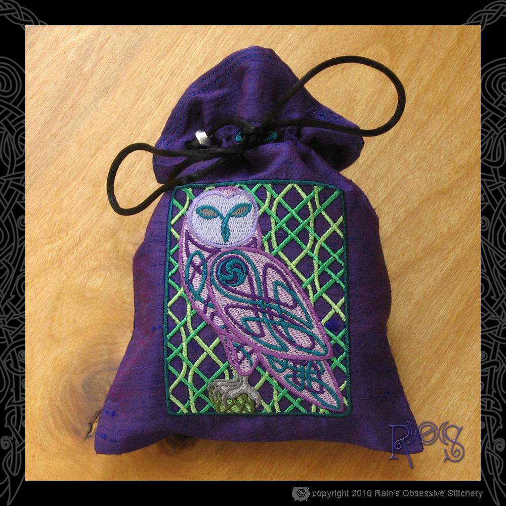tarot-bag-dk-purple-celtic-owl.jpg