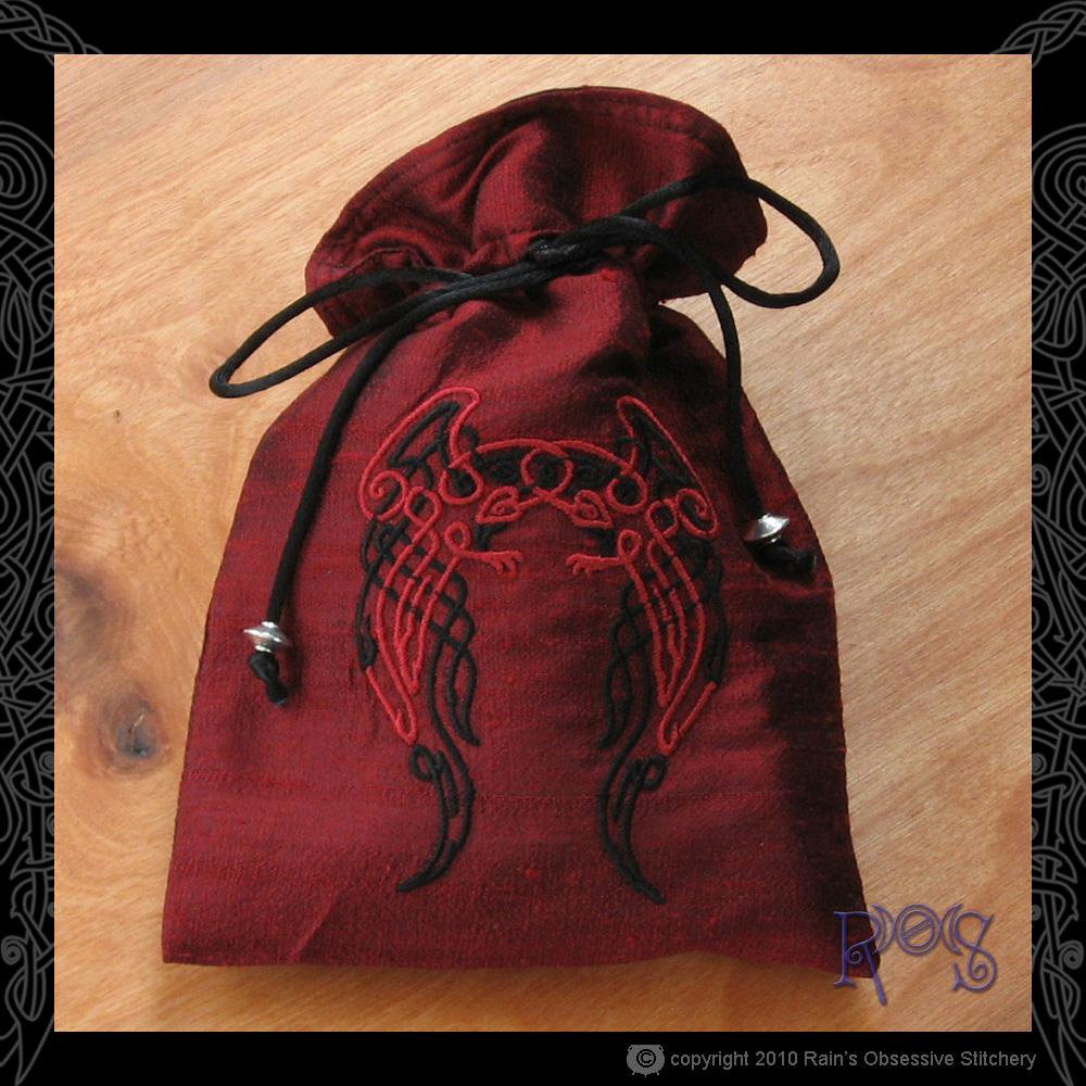 tarot-bag-dk-red-celtic-ravens.jpg