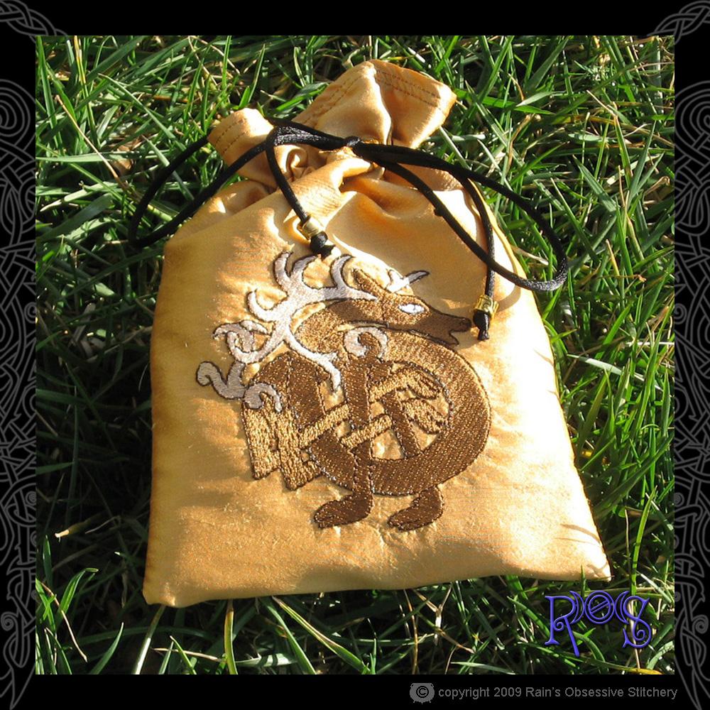 tarot-bag-gold-celtic-stag.jpg