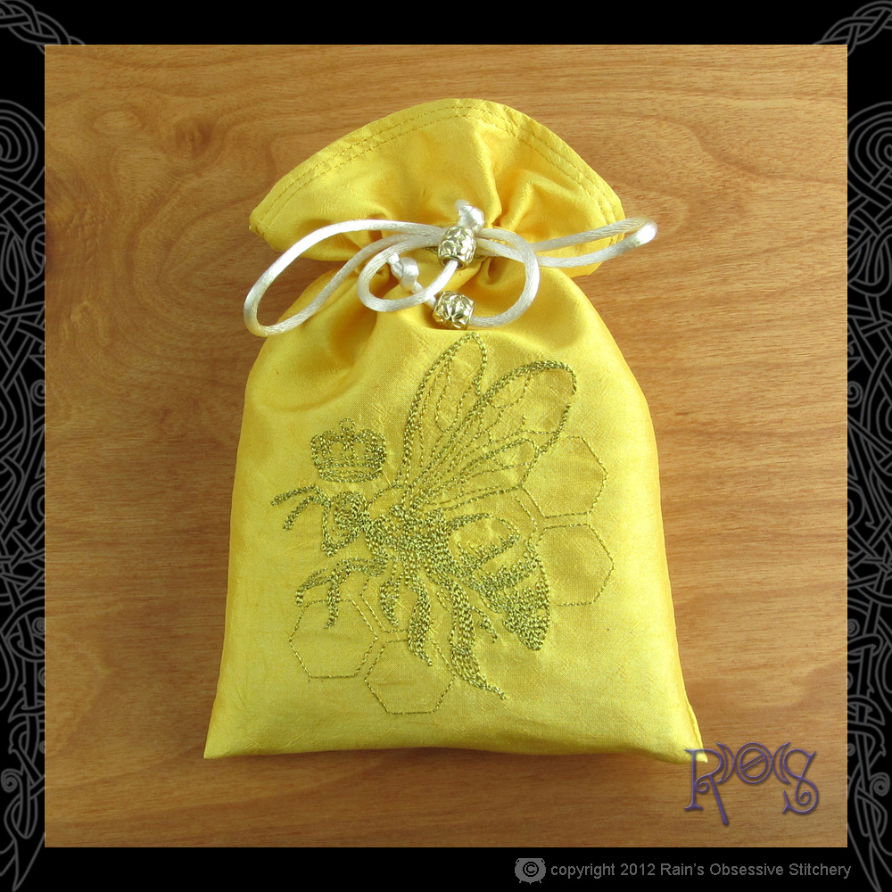 tarot-bag-gold-queen-bee.JPG