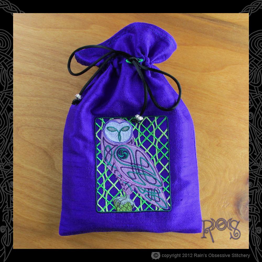 tarot-bag-lg-blue-violet-celtic-owl.JPG