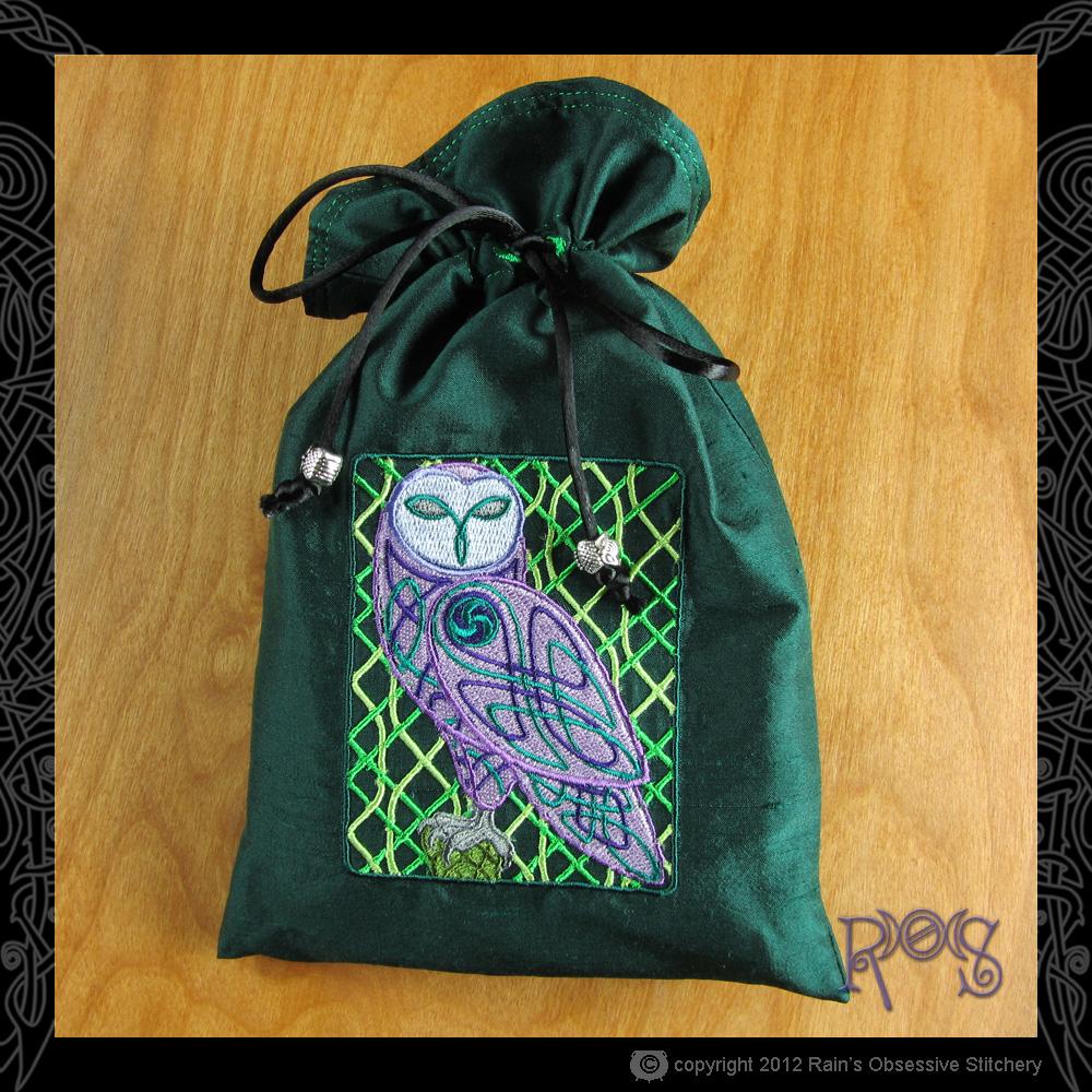 tarot-bag-lg-dk-green-celtic-owl.JPG