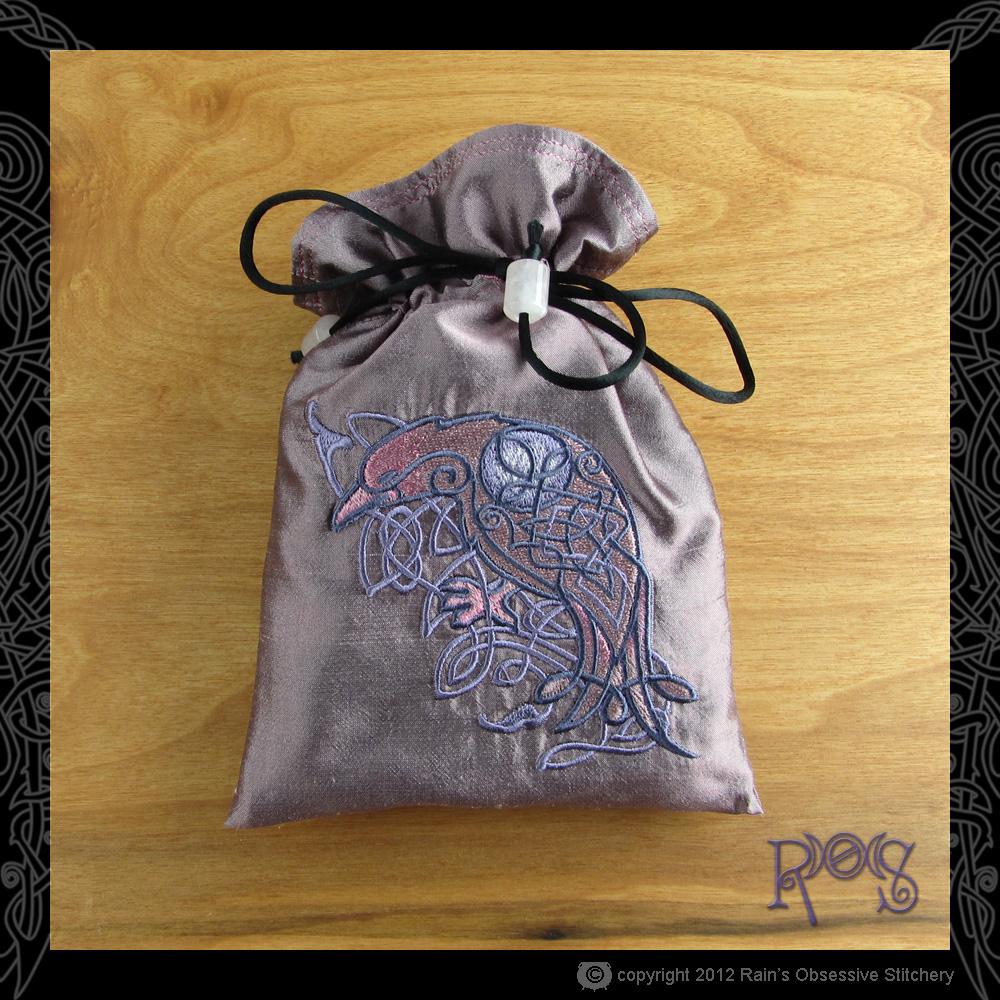 tarot-bag-pink-celtic-majesty-raven.JPG