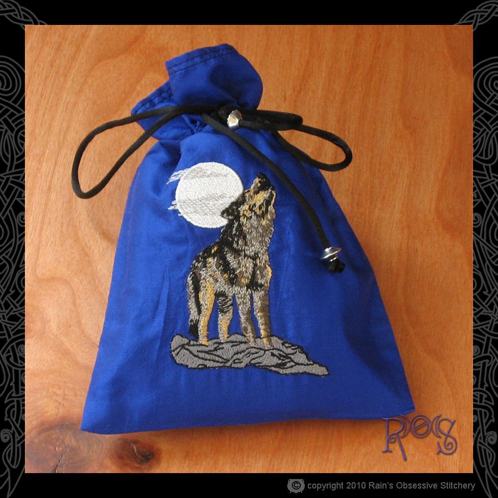 tarot-bag-sapphire-wolf-moon.jpg
