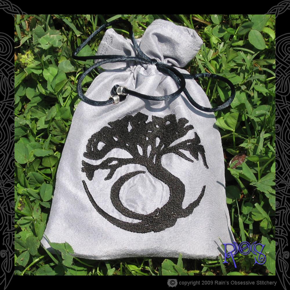 tarot-bag-gray-moon-tree.jpg