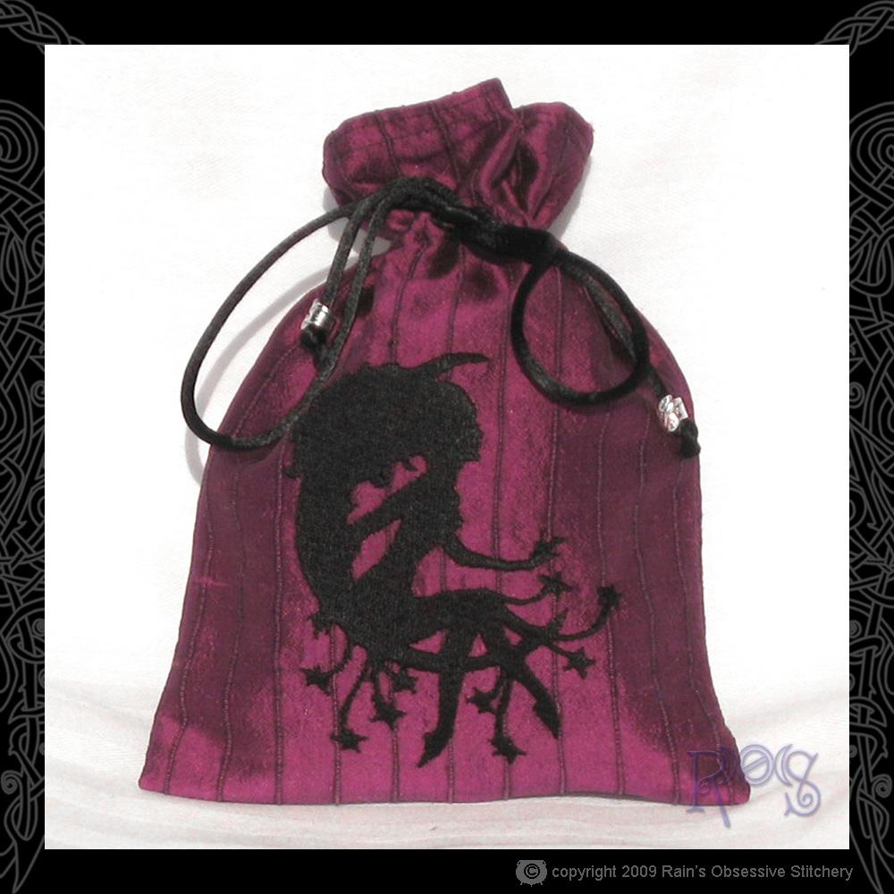 tarot-bag-magenta-moon-lady.jpg