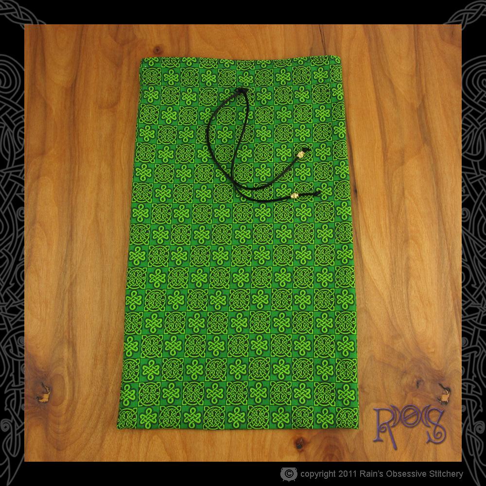 shoe-bag-green-knotwork-flat.jpg