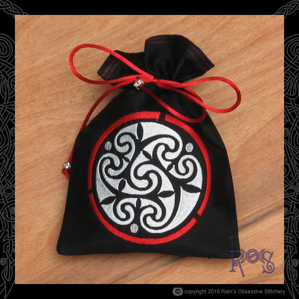 tarot-bag-black-celtic-spiral.jpg
