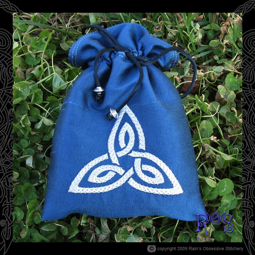 tarot-bag-blue-triquetra.jpg
