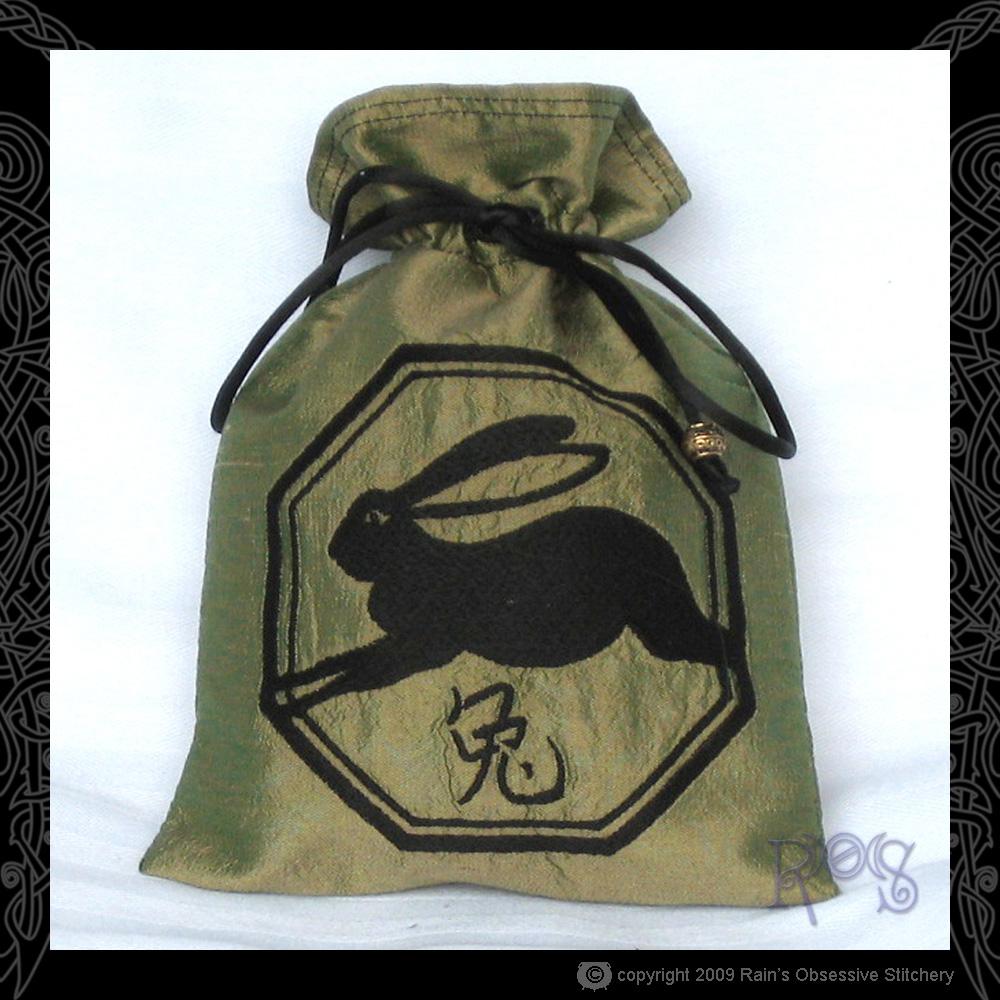 tarot-bag-chin-rabbit.jpg