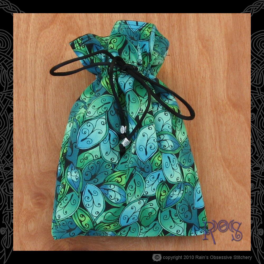 tarot-bag-cotton-green-leaves.jpg