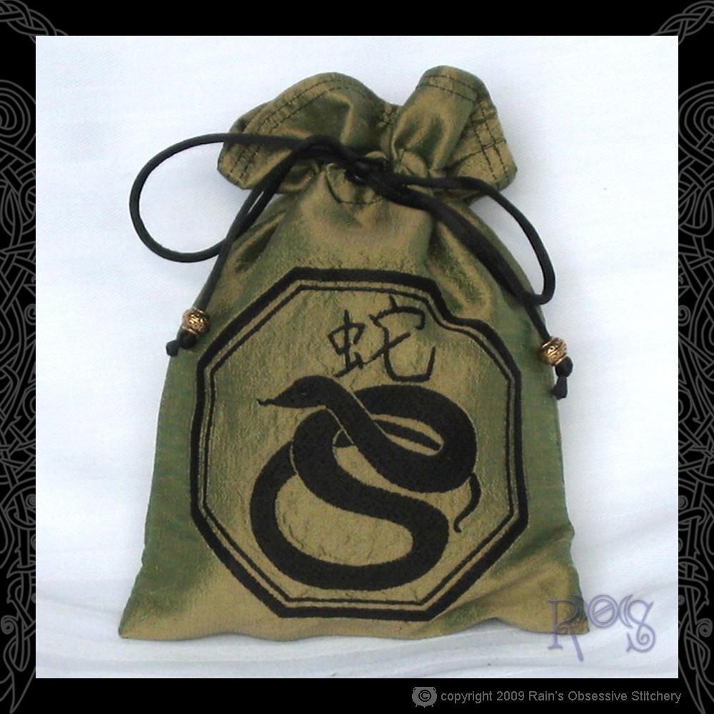 tarot-bag-chin-snake.jpg