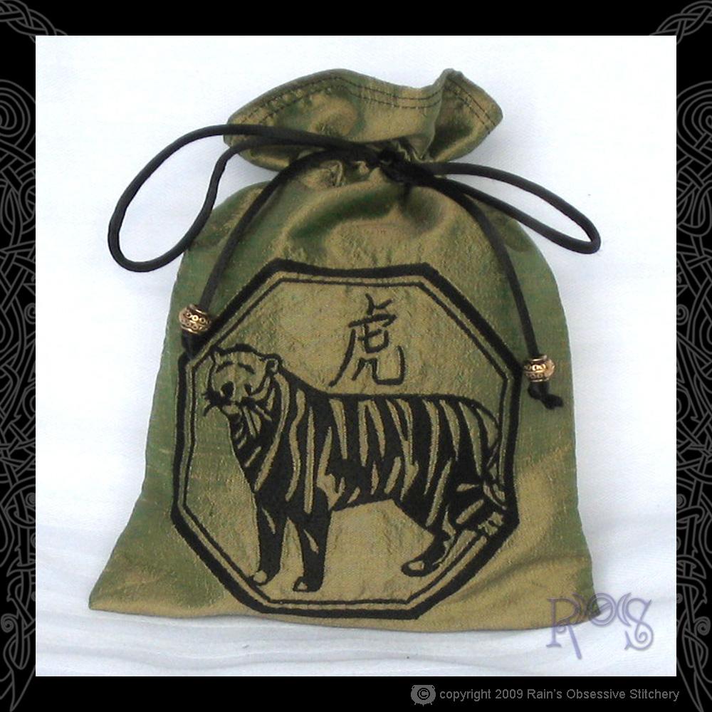 tarot-bag-chin-tiger.jpg