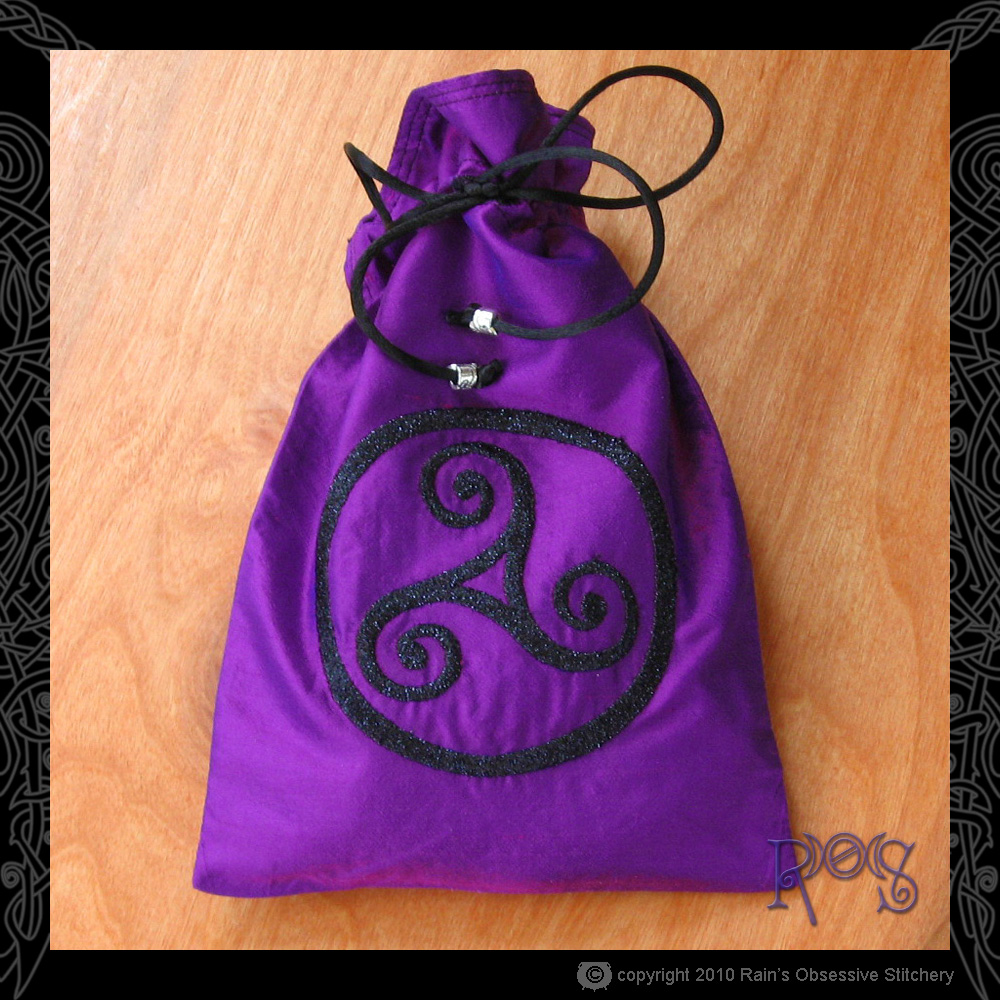 tarot-bag-lg-purple-triskelle.jpg