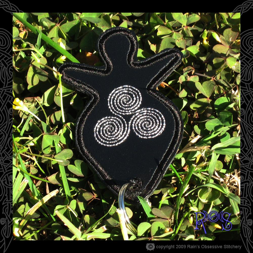 keychain-goddess-black-spiral.jpg