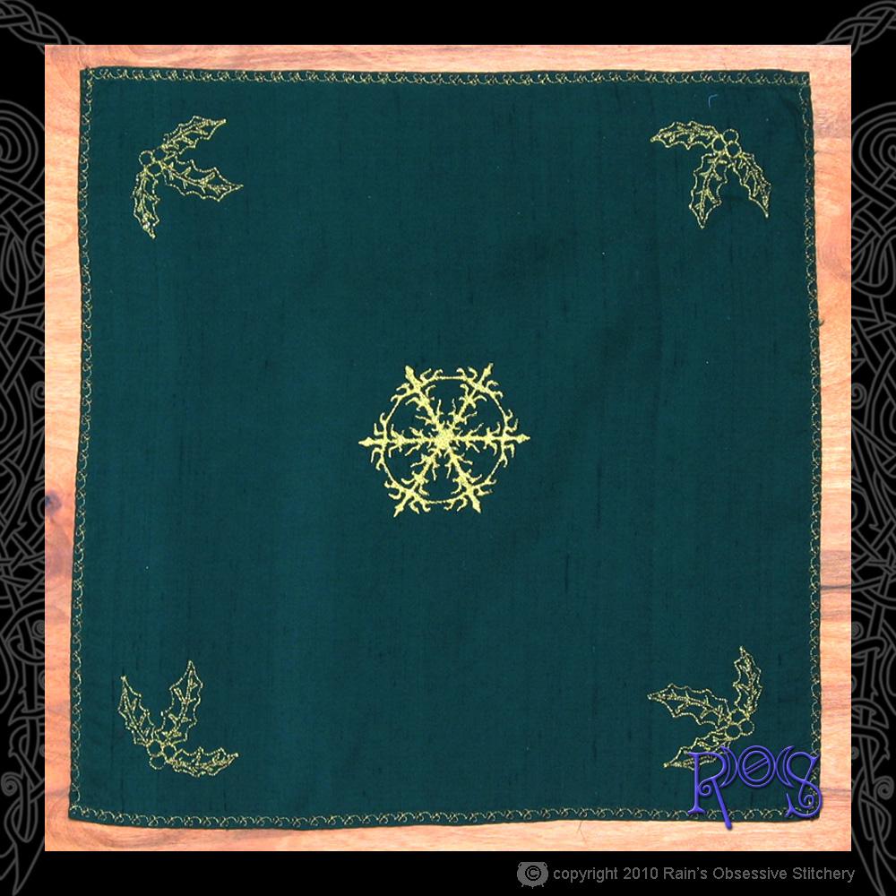 altar-cloth-yule.jpg