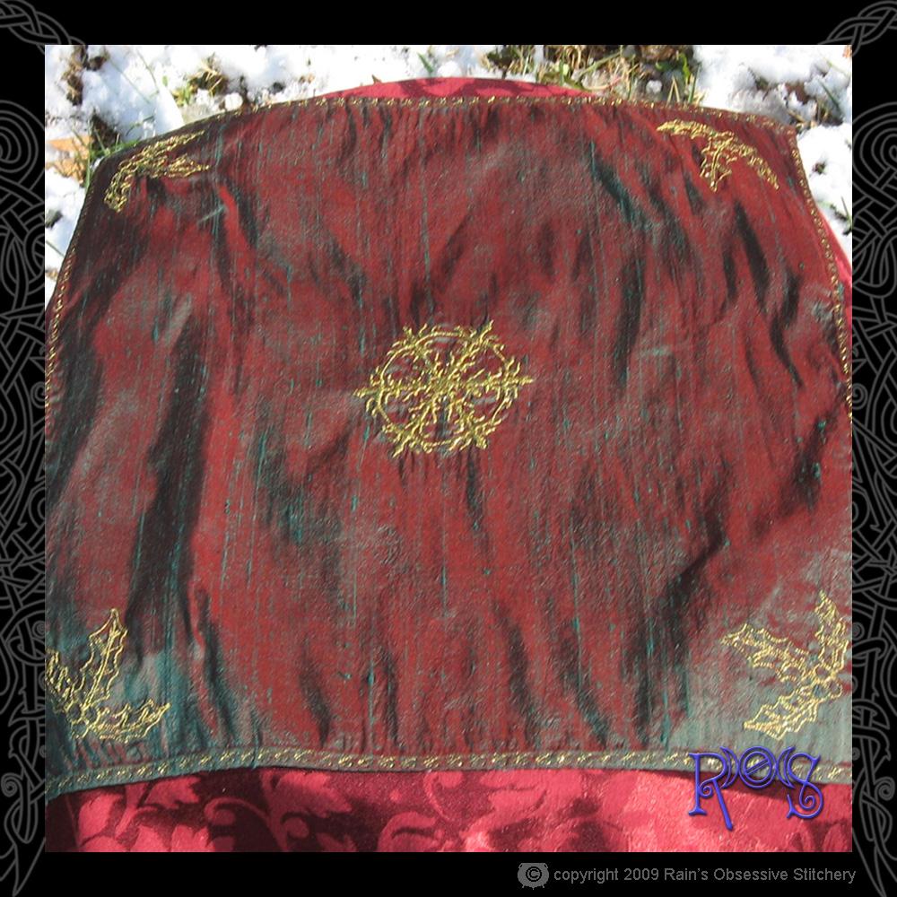 altar-cloth-yule-2.jpg