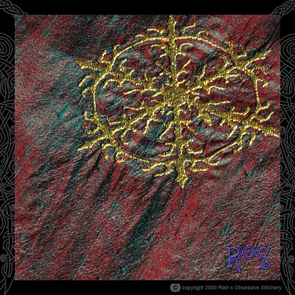 altar-cloth-yule-5.jpg