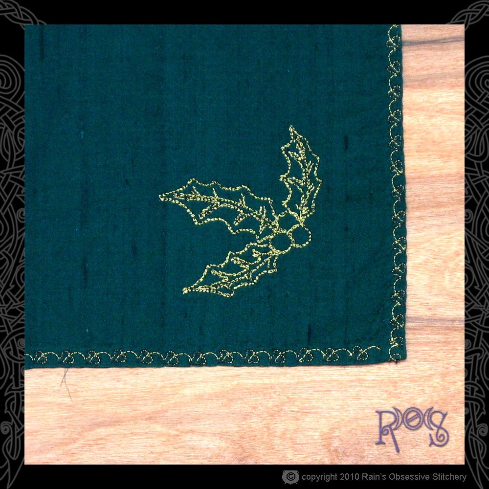 altar-cloth-yule-corner.jpg