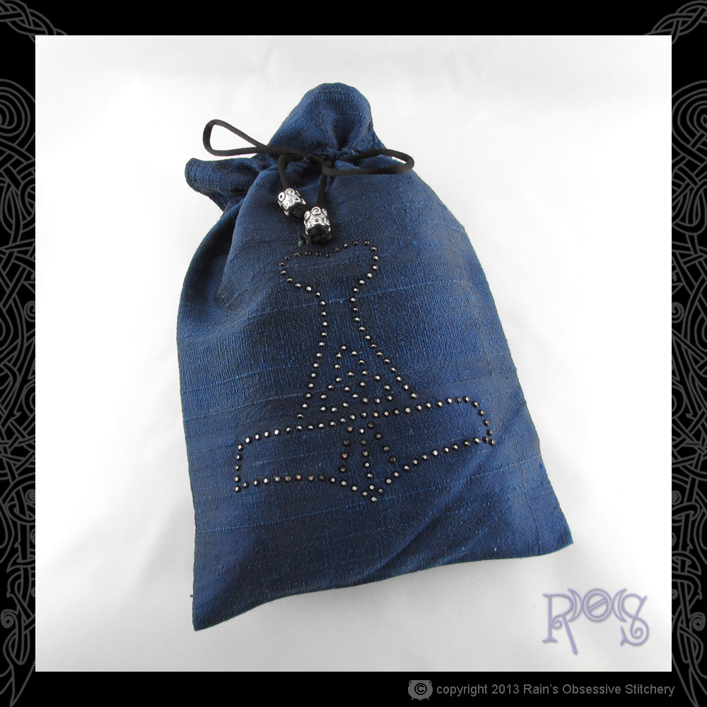 Tarot-Bag-Lg-Dark-Blue-Crystal-Thor's-Hammer-Cosmo.JPG