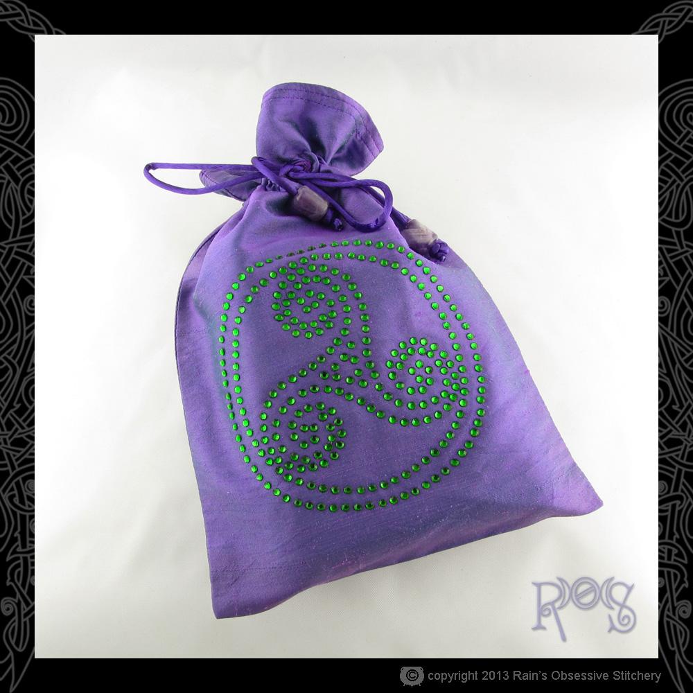 Tarot-Bag-Lg-Purple-Crystal-Triskel-Olivine.JPG
