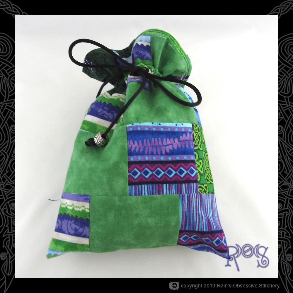 tarot-bag-cotton-green-purple-patch-3-front.JPG