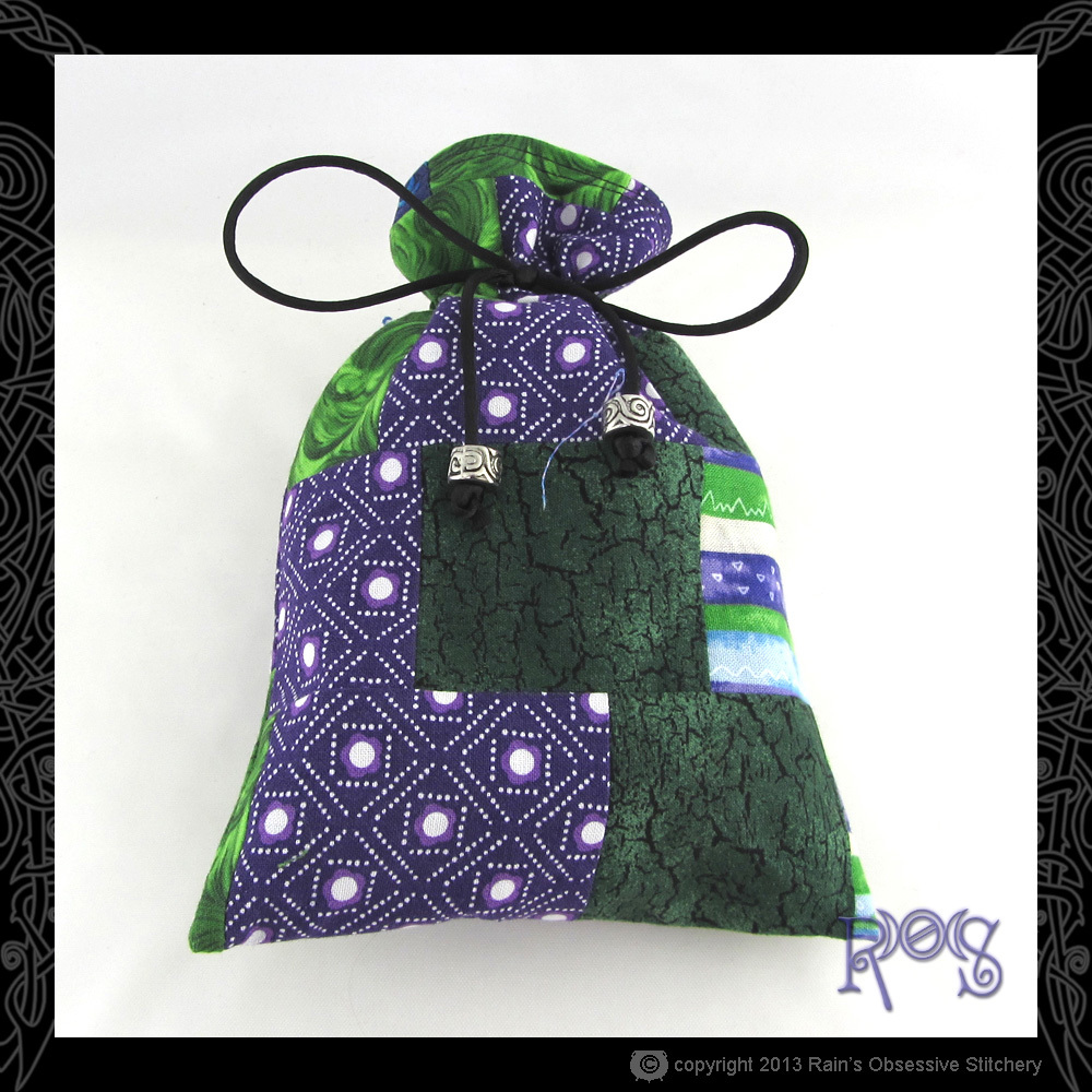 tarot-bag-cotton-green-purple-patch-5-front.JPG