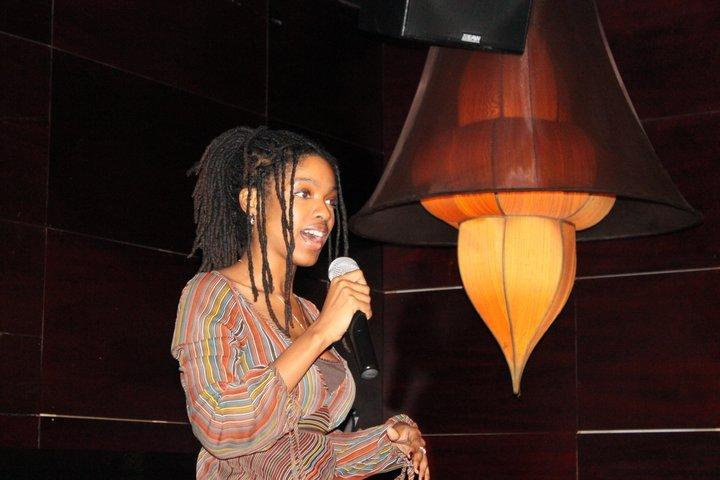 Jazmin gives an impromptu pitch during a New York  DEMO  Meetup in 2011
